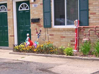 ... small spaces: offered by Barber Knolls Apartments in Barberton, Ohio